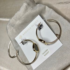 Brand New Kendra Scott gold tone earrings